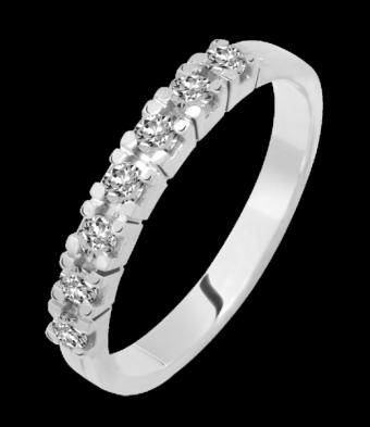 Zeven briljant geslepen diamanten gezet in deze prachtige alliance verlovingsring